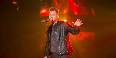 Gil se despidió del programa con el tema No lo beses Foto:Televisa
