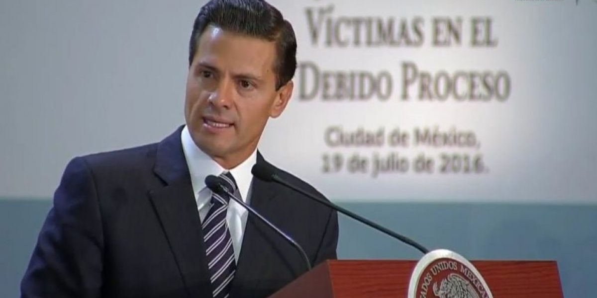 Peña Nieto se compromete a revisar modelo de atención a víctimas