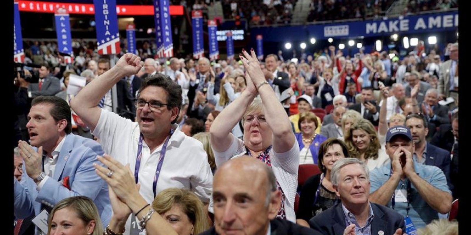 La mayoría de los 4 mil 132 delegados en la Convención del Partido Republicano aprobaron este lunes la plataforma de gobierno de dicho partido. Foto:AP