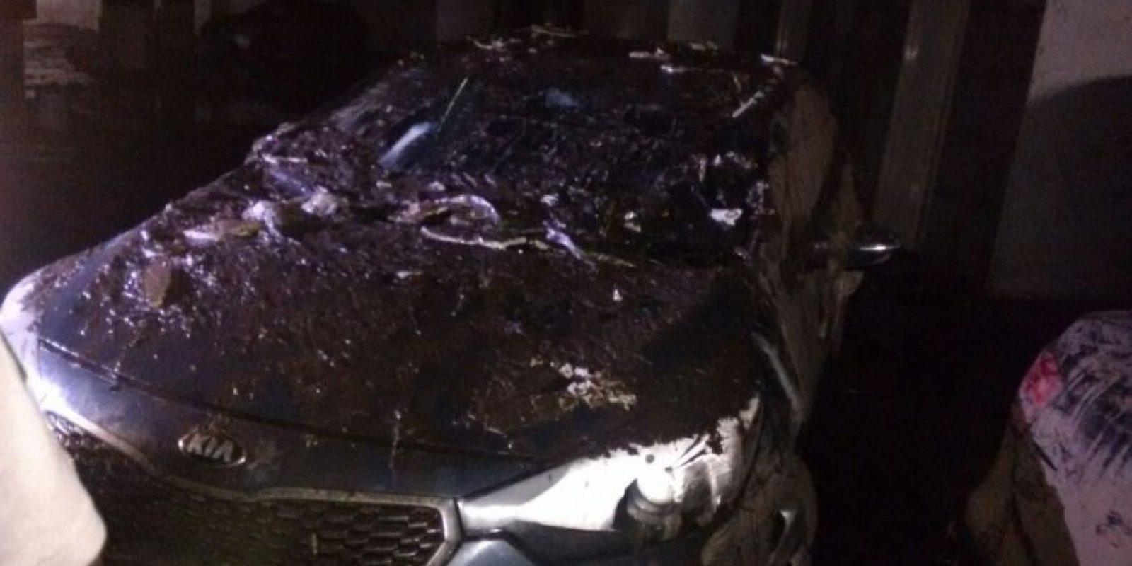 Los autos sufrieron diversos daños Foto:Ángel Carreón