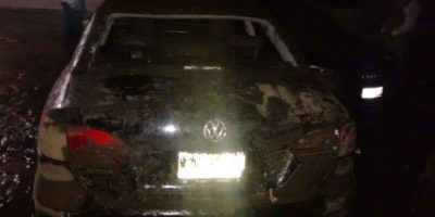 La mayoría de los autos estaban cubiertos de lodo Foto:Ángel Carreón