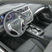 Los mandos han sido rediseñados y ahora son más sencillos de operar Foto:Nissan