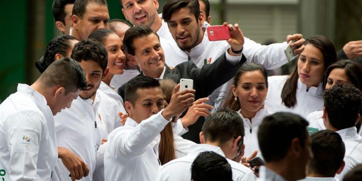 Peña Nieto abandera a delegación olímpica mexicana rumbo a Río