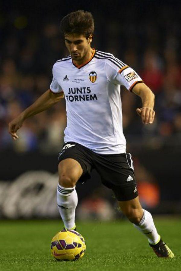 El volante viene de jugar en Valencia Foto:Getty Images