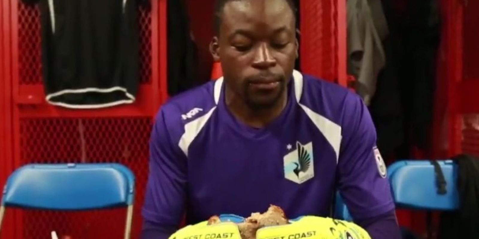 La respuesta del club y el arquero fue notable y le echaron la culpa a su sandwich de mermelada Foto:Captura de pantalla