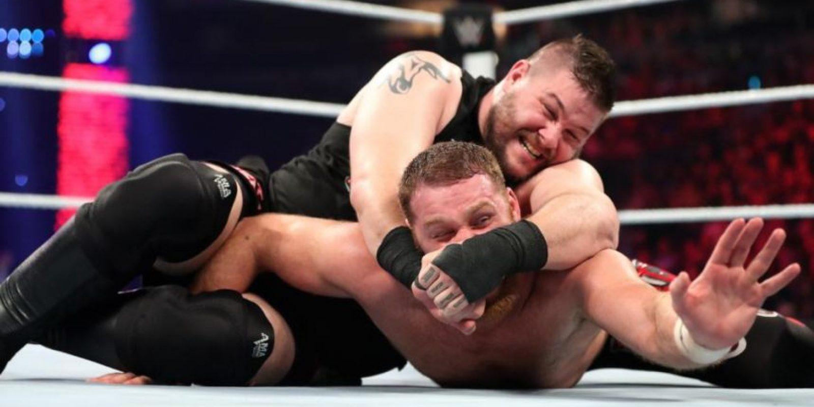 Sami Zayn se impuso a Kevin Owens Foto:WWE