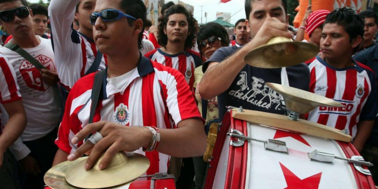 Aficionados de Chivas insultan a americanista en el juego ante Monterrey Foto:Mexsport