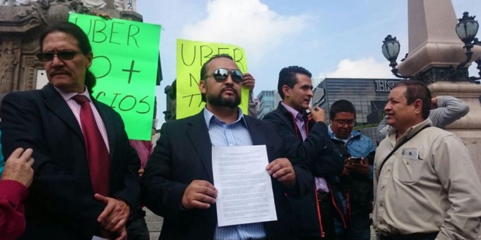 Los choferes se manifestaron en el Ángel de la Independencia Foto:Especial