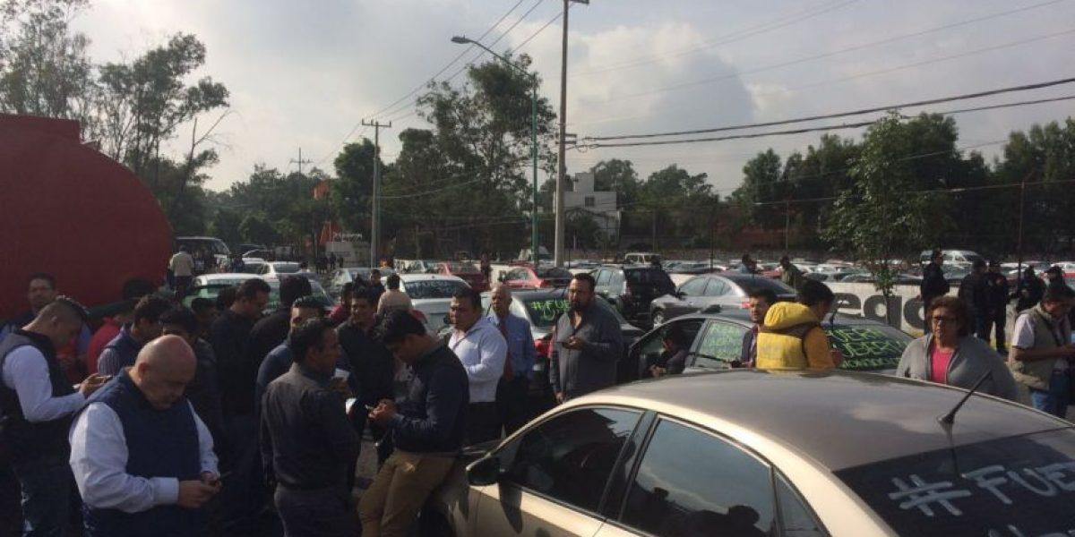 Policía impide avance de caravanas de Uber