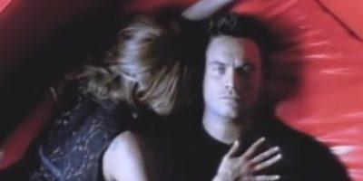 """Así lucía Nek en el video de """"Laura no está"""". Foto:Vía Vevo"""