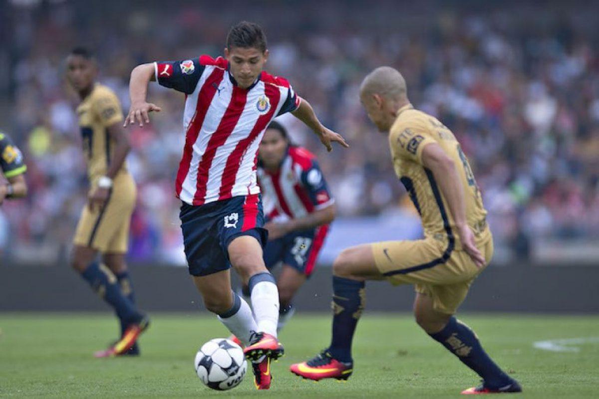 Dario Verón no entiende el estilo de juego de Francisco Pelanco Foto:Mexsport