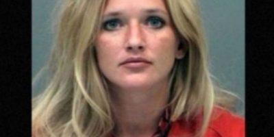 Carrie McCandless fue acusada de tener contacto sexual con una estudiante de 17 años de edad durante un campamento escolar Foto: Jefferson County Jail