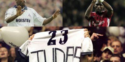 En Inglaterra también, Sol Campbell fue tratado de Judas por los fanáticos de Tottenham. El defensor hizo gran parte de su carrera en los Spurs y estuvo nueve años defendiendo la camiseta del club que lo formó como jugador, pero en 2001 tomó la decisión de irse al archirrival Arsenal. Una traición nunca perdonada Foto:Getty Images