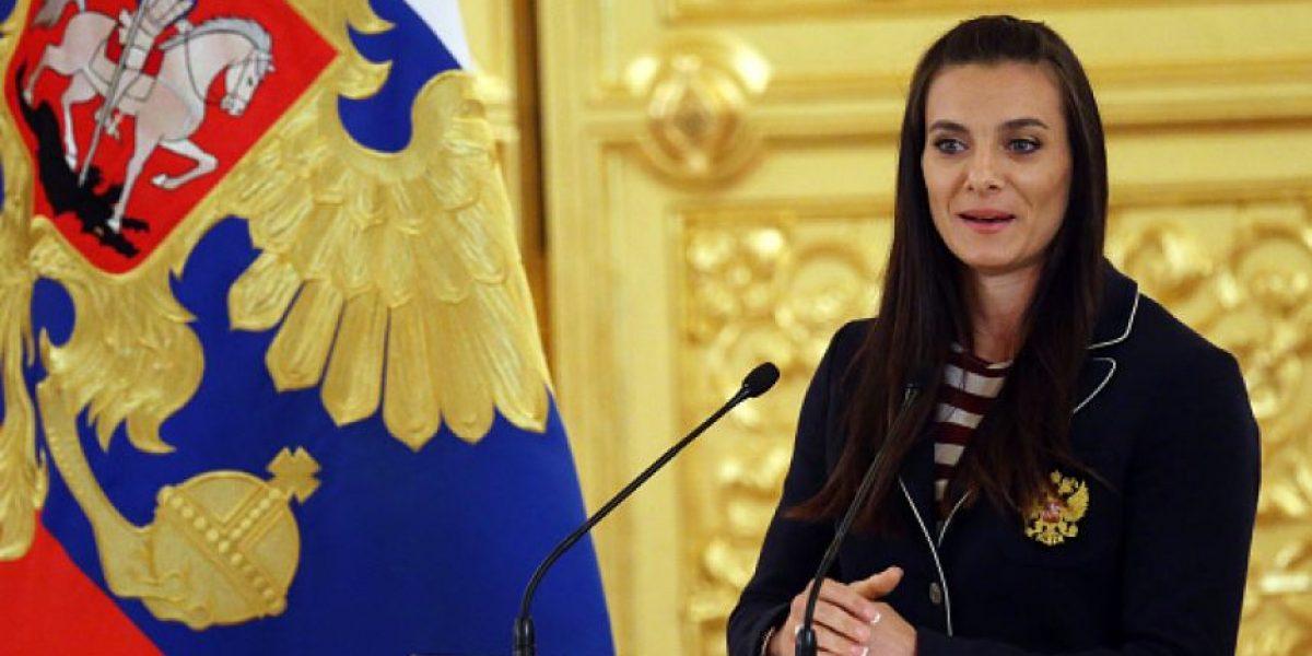 Isinbayeva no se retirará mientras conserve