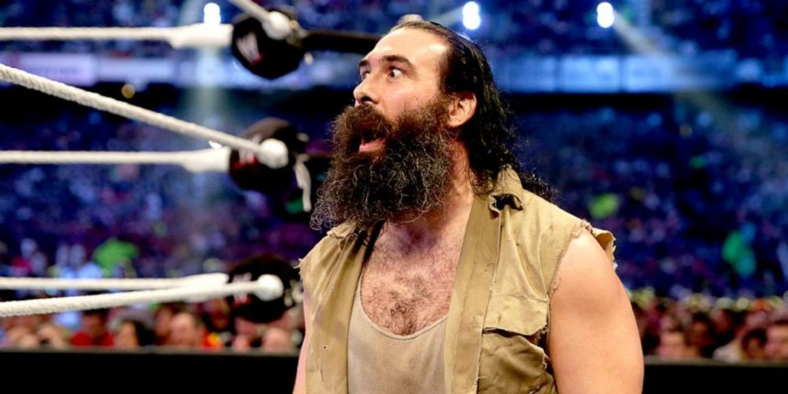 Luke Harper. Tiene una lesión en el ligamento cruzado anterior Foto:WWE