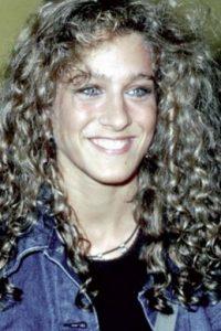 Sarah Jessica Parker tenía el cabello desperdigado. Foto:vía Getty Images