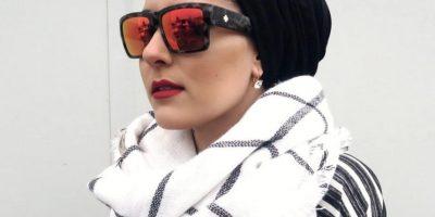 """La prenda es prohibida en escuelas de países laicos como Francia. Pero más allá de eso, la moda ha visto el potencial de un mercado creciente de lujo y alta gama. Blogueras inglesas como Dina Torkia hacen parte del movimiento """"Hijabism"""". Foto:DaysOfDoll"""