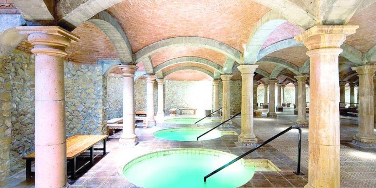 Cinco hoteles con aguas termales que debes visitar