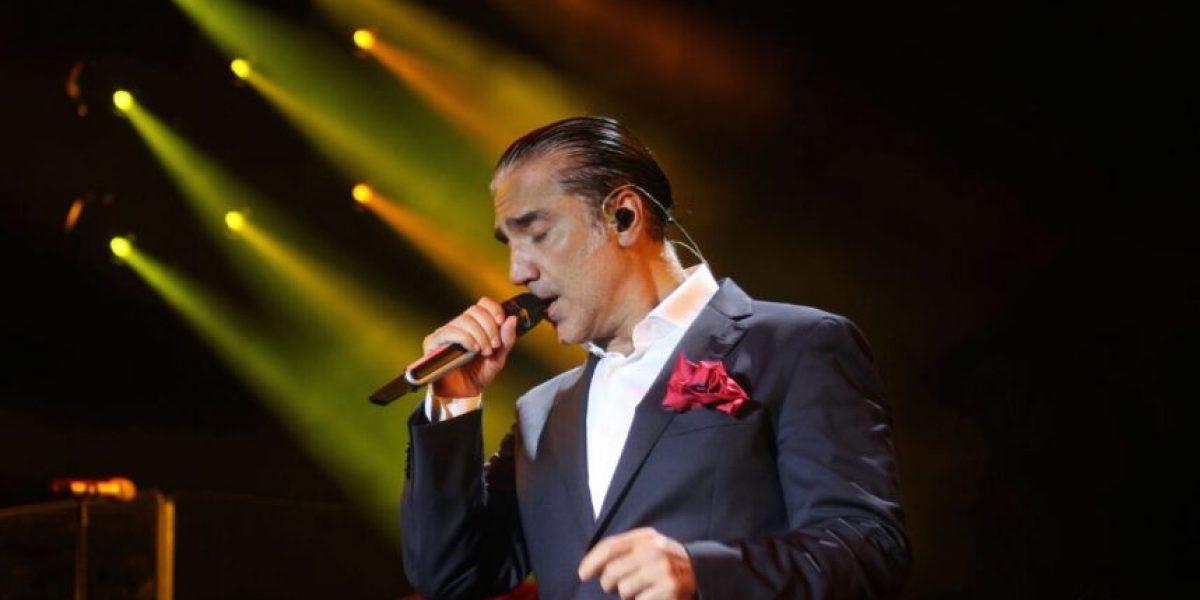 Alejandro Fernández ofrece emotivo concierto en Acapulco
