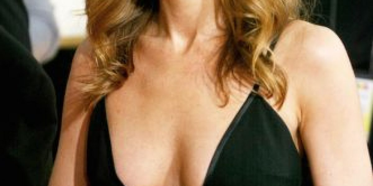 Jennifer Aniston se aumentó el busto como Kim Kardashian