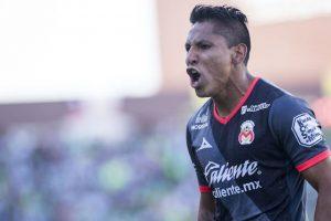 Raúl Ruidíaz salió inspirado y le dio el triunfo a Morelia Foto:Mexsport
