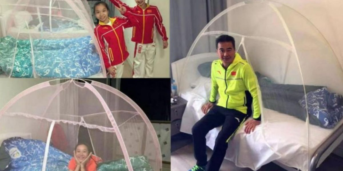 Chinos duermen 'encapsulados' en mosquiteros para prevenir el Zika