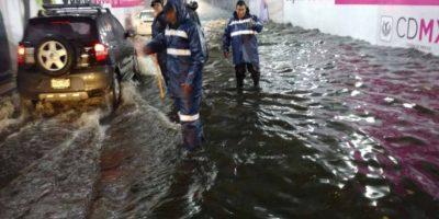 Se registran al menos 10 encharcamientos en la capital del país Foto:@SSP_CDMX