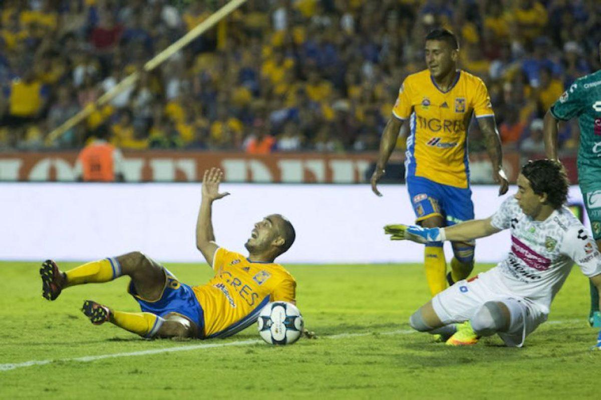André-Pierre Gignac le da el triunfo a Tigres sobre Jaguares Foto:Mexsport