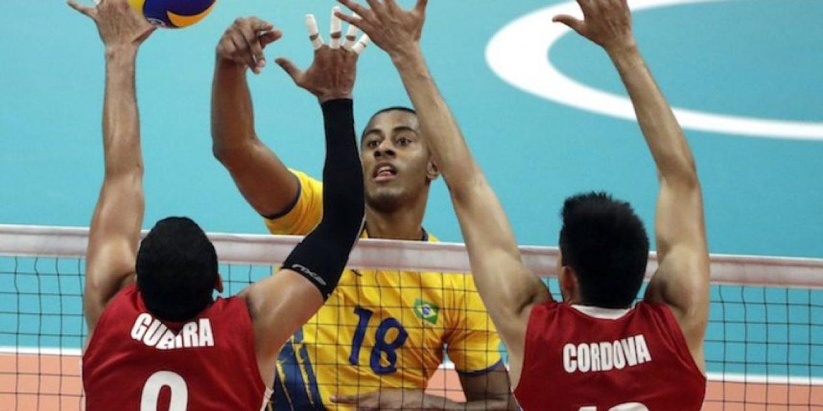 México cae ante el anfitrión en voleibol de sala