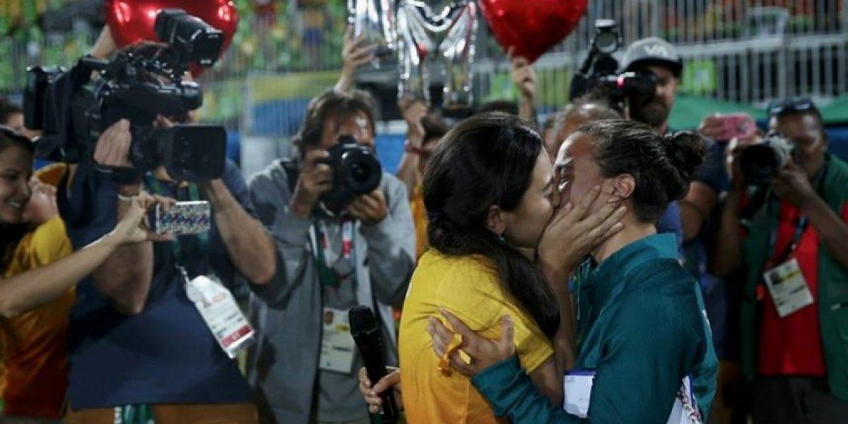 Le piden matrimonio a jugadora en plena entrega de medallas
