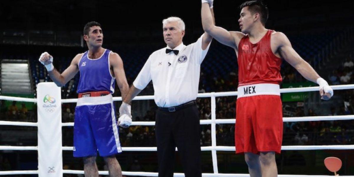 Boxeador mexicano avanza a Octavos, pero no tendría rival y estaría en cuartos