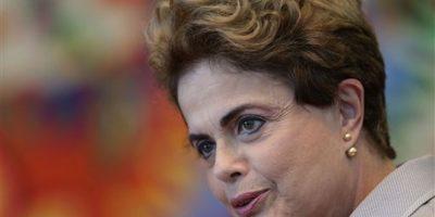 La presidenta de Brasil, se comprometió a que, si fuera absuelta y volviera al poder, promoverá un plebiscito para adelantar las elecciones previstas para octubre de 2018. Foto:AP/ Archivo