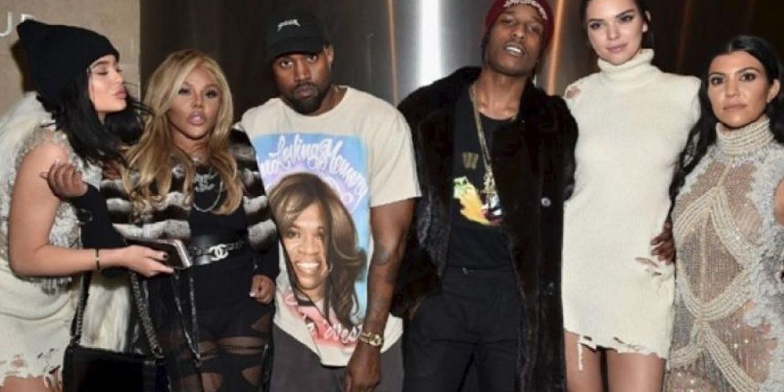 Esta fue la foto que destapó la relación entre la modelo y el rapero. En el cumpleaños de Khloé Kardashian Foto:Getty Images