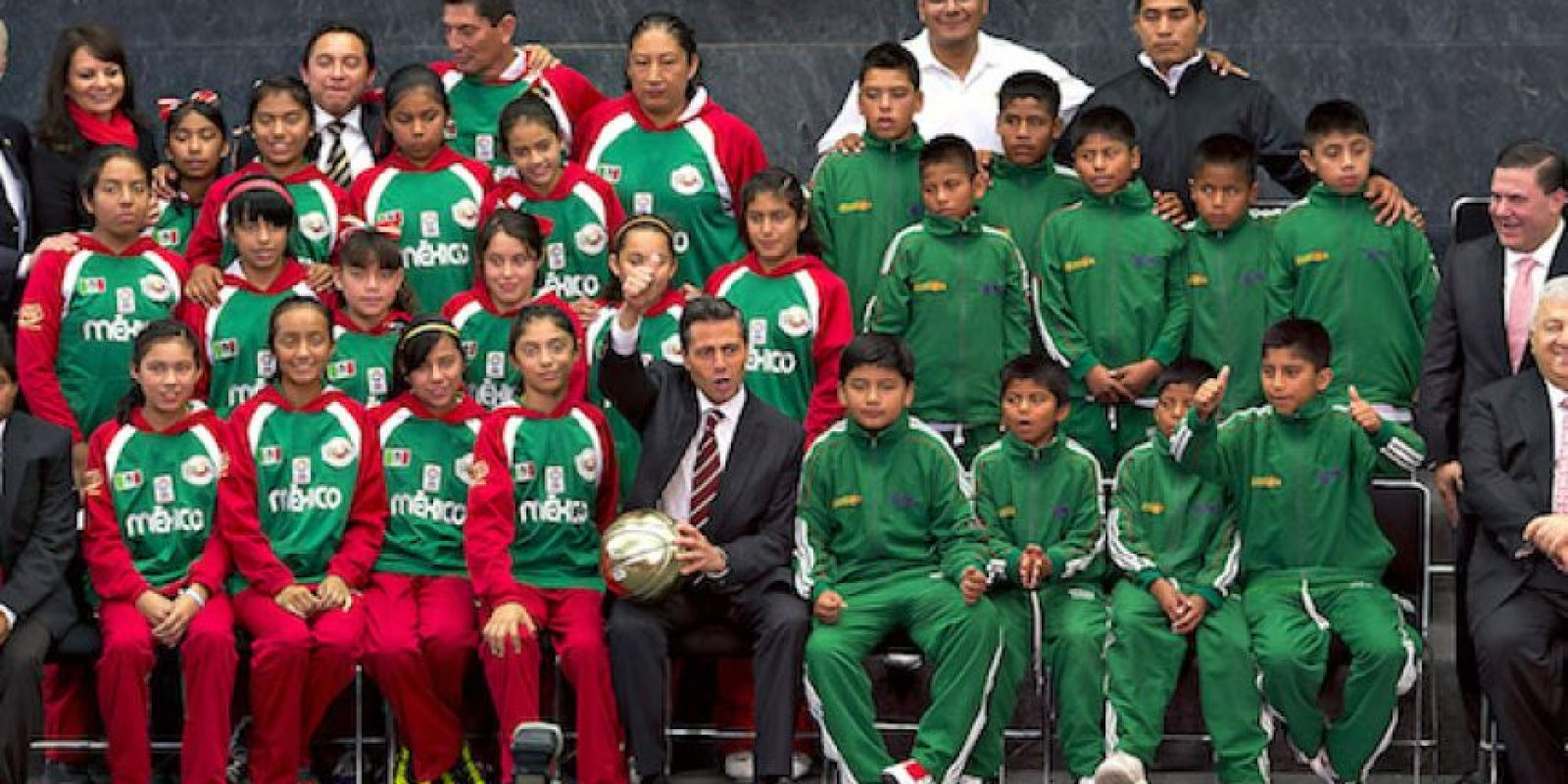 Niños triquis tendrá que pagar para entrenar en su propia cancha Foto:Mexsport