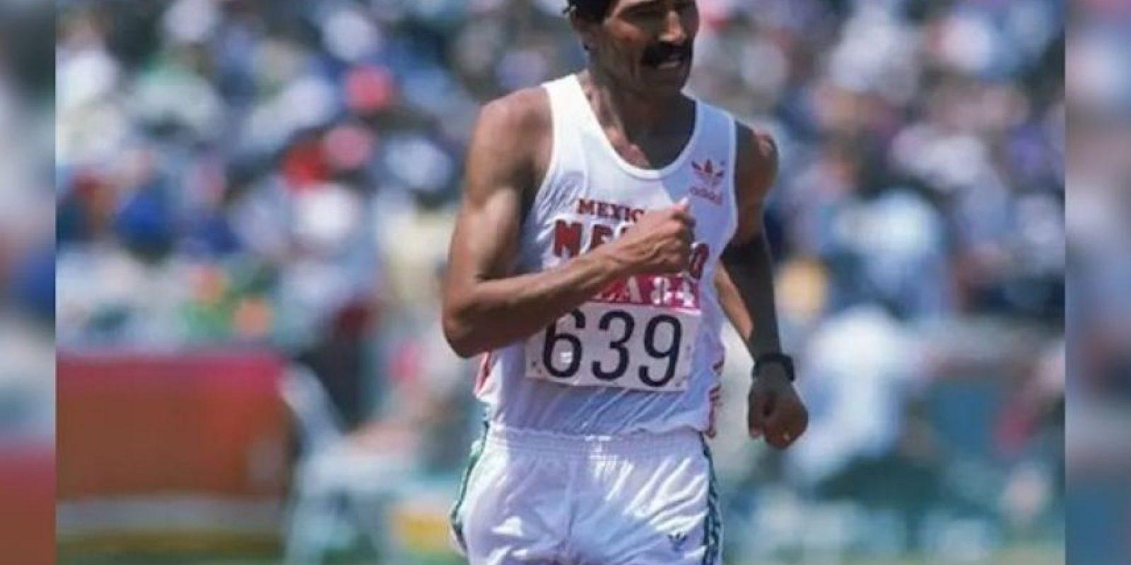 Raúl González, marcha 50 kms, oro; marcha 20 kms plata, Los Ángeles 1984 Foto:Archivo