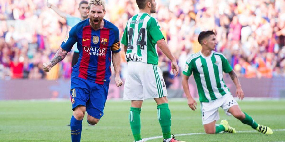 Barcelona y Messi inician la defensa del título con tremenda paliza