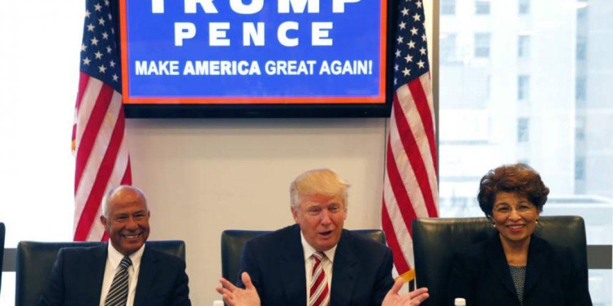 Trump crea grupo de asesores hispanos para impulsar su baja popularidad