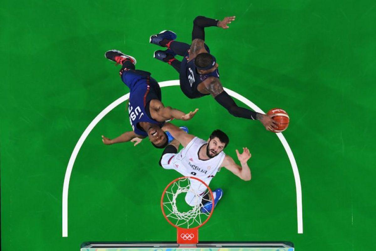 El Dream Team aplasta a Serbia y se lleva el oro olímpico de basquetbol Foto:Getty Images
