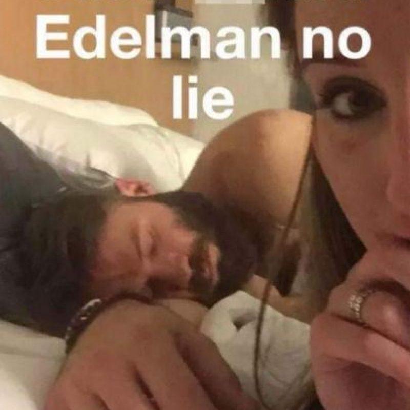 También en 2015, Julian Edelman, jugador de la NFL, estuvo en la cama con una chica de nombre Sabrina, quien presumió que tuvo relaciones con el hombre de New England Patriots Foto:Tinder