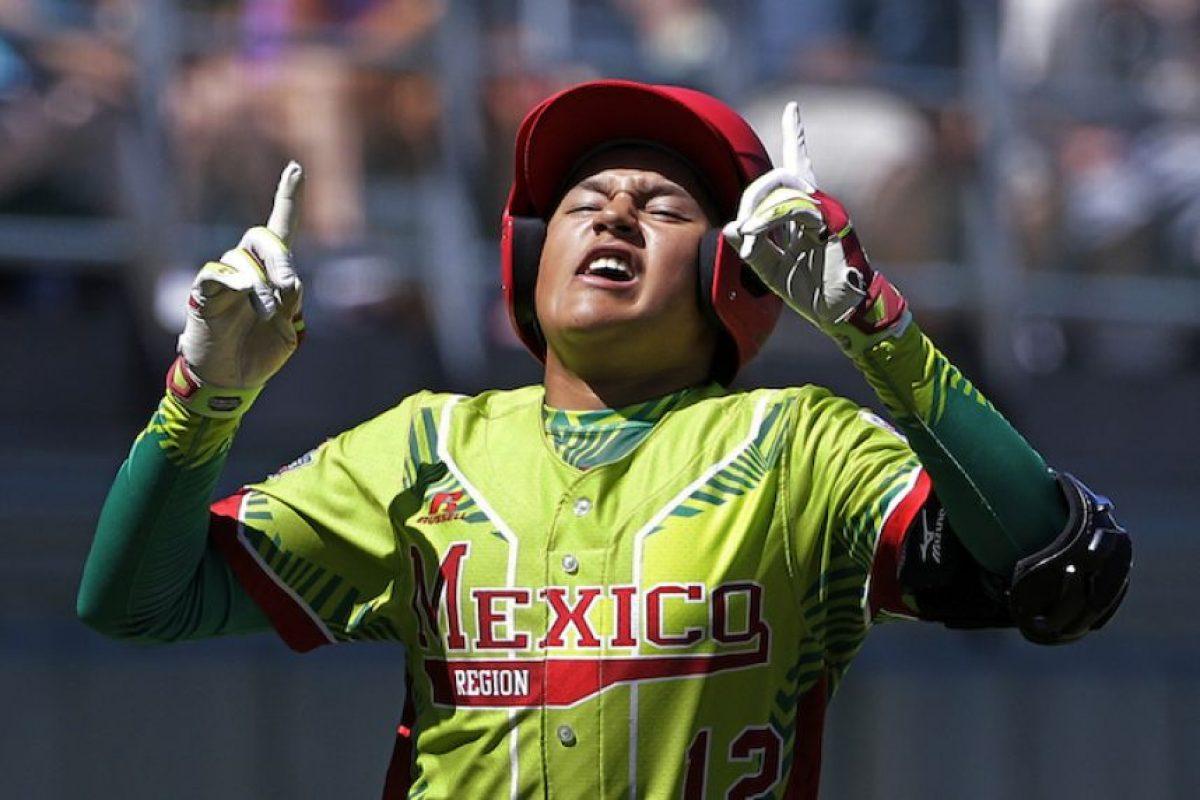 México apalea a Canadá y siguen adelante en las Pequeñas Ligas Foto:AP