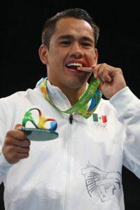 Misael Rodríguez recibió ayuda de la Conade por debajo de la mesa Foto:Getty Images