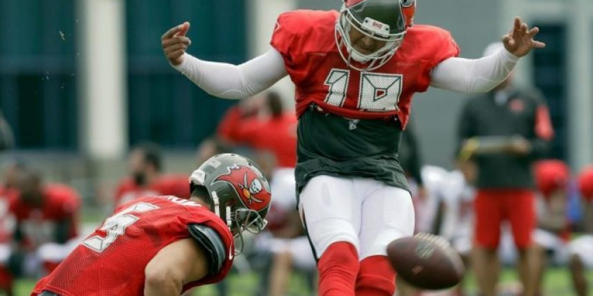 Aficionados abuchean a pateador mexicano en la NFL