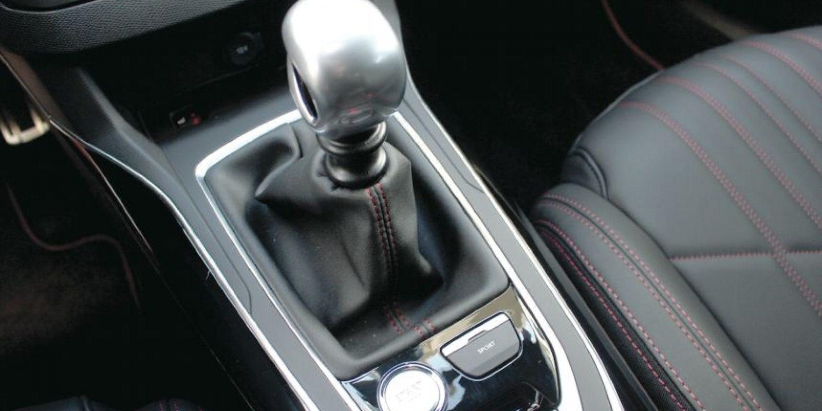 Datos• Precio: 420 mil 900 pesos• Motor: 4 Cil. 1.6L Turbo• Potencia: 205 hp.• Transmisión: Manual de 6 velocidades Foto:Peugeot
