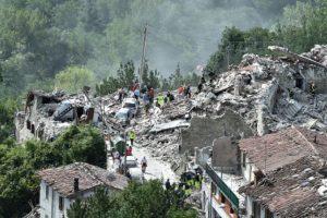 Italia se encuentra situada entre dos fallas y esto la convierte en una de las zonas más activas sísmicamente de Europa. Foto:Gettyimages