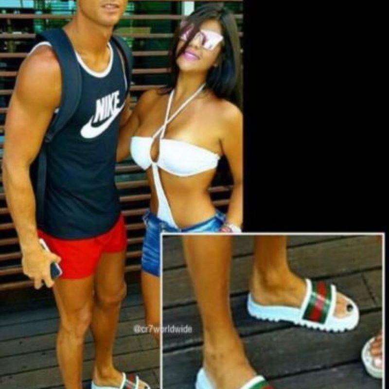 Durante sus vacaciones en Estados Unidos se dejó ver con las uñas de los pies pintadas Foto:Instagra