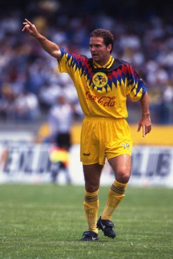 Luis García jugó en los dos equipos Foto:Mexsport