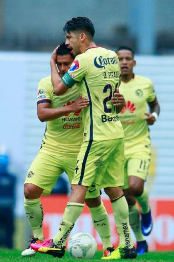 "Osvaldo Martínez manda ""callar"" a jugador de Chivas Foto:Getty Images"