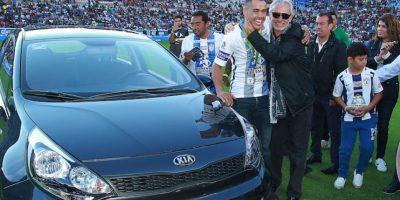 ¡Suertudo! Directiva del Pachuca le regala un auto último modelo a Misael Rodríguez