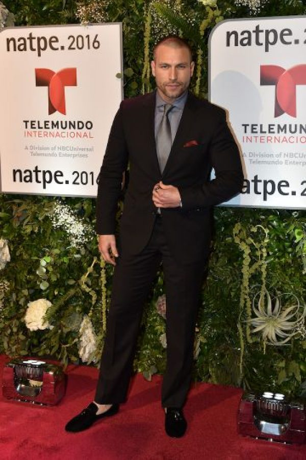 Rafael Amaya rechaza uso de guardaespaldas y autos blindados Foto  Getty  Images  Foto  Getty Images  Foto  Getty Images  Foto  Getty Images  Foto   Getty ... 439452fb7b9