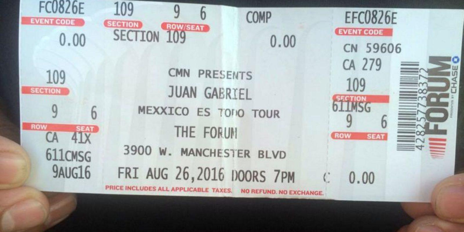 Algunos de los asistentes a su último concierto, han compartido en redes sociales su boleto, como testimonio del acontecimiento. Foto:Notimex